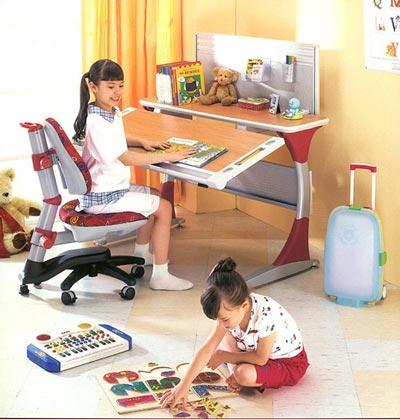 Стол письменный для школьника